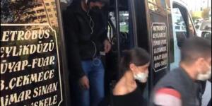 Ayakta 22 yolcu taşıyan şoförün polise söylediği 'pes' dedirtti